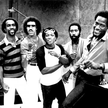 commodores5-blackwhite