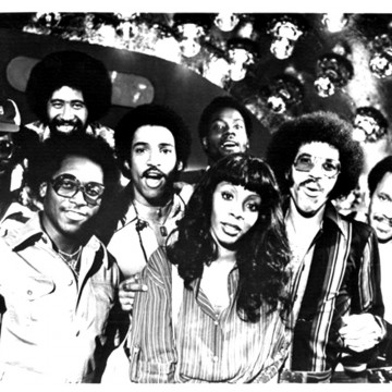commodores8-blackwhite